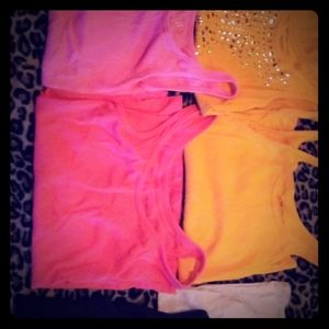 Lot of camis and tank tops!!❤
